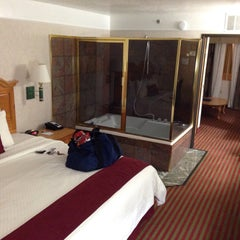 Photo taken at Best Western PLUS Executive Suites by iGary &. on 4/25/2015