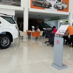 Photo taken at UMW Toyota Motor Sdn. Bhd. by Duke A. on 11/17/2013