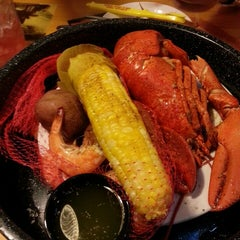 Photo taken at Joe's Crab Shack by Dian T. on 7/29/2013