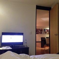 Foto tomada en Celebrities Suites & Apartments por Rony D. el 11/26/2013