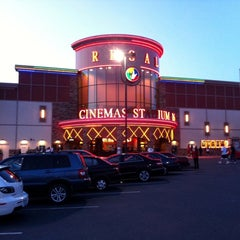 Photo taken at Regal Cinemas Everett Mall 16 & RPX by Røb-NX7N on 7/2/2011