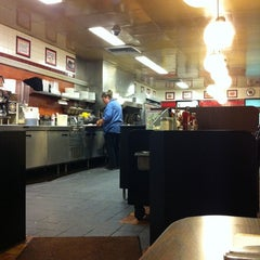 Photo taken at Waffle House by Ashley B. on 9/6/2011