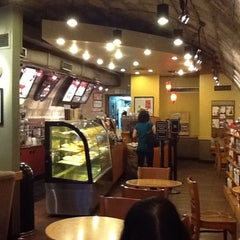 Photo taken at Starbucks Coffee by Jonjon on 11/5/2011