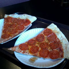 Photo taken at Anthony's Pizza & Pasta - Union by Gary J. on 8/17/2011
