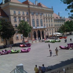 Das Foto wurde bei Café.Restaurant Halle von Andreas W. am 5/10/2012 aufgenommen