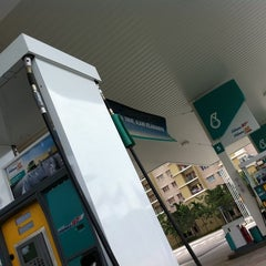 Photo taken at PETRONAS Station by Rasli R. on 6/3/2011
