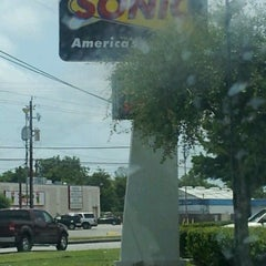 Photo taken at SONIC Drive In by Tillery J. on 5/24/2012