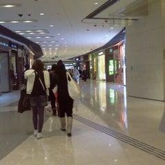 Photo taken at IFC Mall 國際金融中心商場 by Ribka R'vina K. on 12/26/2011