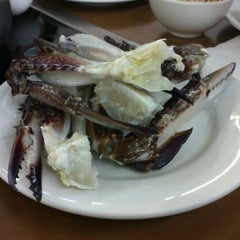 Photo taken at Oceanview Buffet Hot Pot by I C. on 1/30/2012