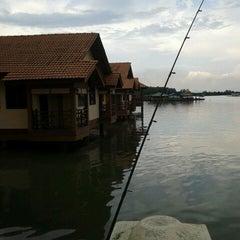 Photo taken at Kuala Gula Sanctuary Resort by adie on 7/7/2012