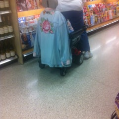 Photo taken at Publix by Lucas V. on 1/25/2012