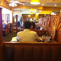 Photo taken at Perkins Restaurant & Bakery by Ohnstad H. on 8/17/2011
