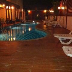 Photo taken at Mei Zhou Hotel by AM R. on 11/25/2011