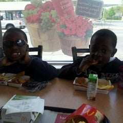 Photo taken at McDonald's by Hakim G. on 5/9/2012
