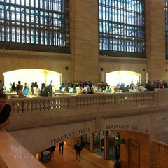 Photo taken at Apple Store, Grand Central by Samuel C. on 9/2/2012