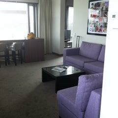 Photo taken at Van der Valk Airporthotel Düsseldorf by Jacqueline K. on 8/24/2012