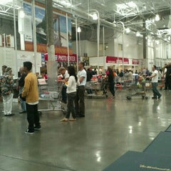 Photo taken at Costco by I C. on 6/26/2012