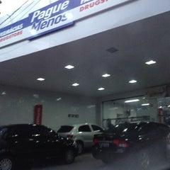 Photo taken at Farmácia Pague Menos by Fernando V. on 4/27/2012