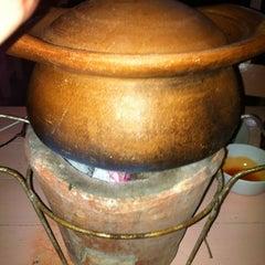 Photo taken at ตลาดไร่วนาสินท์ by Saksri D. on 7/7/2012