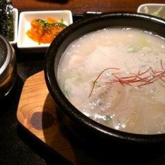 Photo taken at 長寿韓酒房 新浦安店 by Naoki M. on 8/24/2012