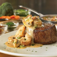 Photo taken at Outback Steakhouse | آوت باك ستيك هاوس by Outback Steakhouse Saudi on 8/17/2013