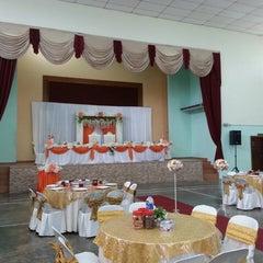 Photo taken at Dewan Jubli Perak by Rosly on 12/25/2013