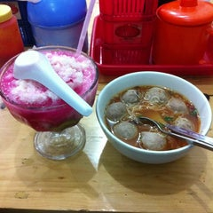Photo taken at Bakso Jawir by haris on 1/9/2013