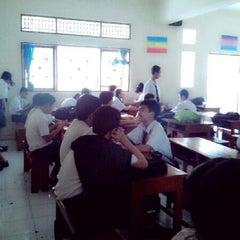 Photo taken at VIII Bilingual SMP (SLUB) Saraswati 1 Denpasar by Arianda A. on 8/6/2013