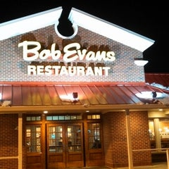 Photo taken at Bob Evans Restaurant by simbomb on 2/6/2014