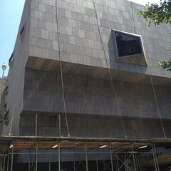 Das Foto wurde bei Whitney Museum of American Art von steve n. am 6/1/2013 aufgenommen
