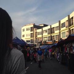 Photo taken at Pasar Malam Bandar Seri Putra by Araje on 5/9/2015