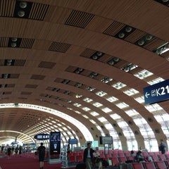 Photo taken at Aéroport Paris-Charles de Gaulle (CDG) by Yuki K. on 7/19/2013