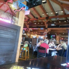 Photo taken at Mellow Mushroom by Charlie H. on 8/6/2013