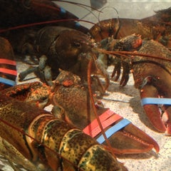 Photo taken at Red Lobster by Joel T. on 12/2/2012