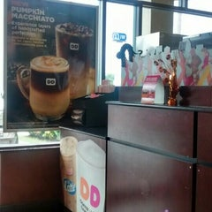 Photo taken at Dunkin Donuts by pirooz p. on 10/24/2015