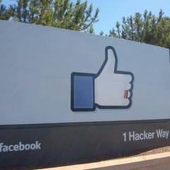 Photo taken at Facebook HQ by Mihai B. on 6/29/2013