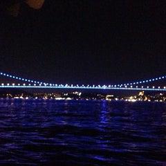 Photo taken at Fatih Sultan Mehmet Köprüsü by Samet Ba on 9/21/2013