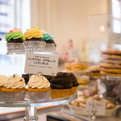 Photo taken at Dean & DeLuca by Compass on 7/22/2013