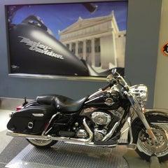 Photo taken at Windy City Harley-Davidson by Mario Alberto B. on 8/31/2013
