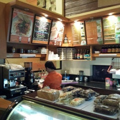Photo taken at Myrna's Bake House - Pasonanca by Norberto N. on 8/29/2014