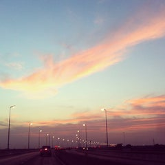 Photo taken at ทางคู่ขนานลอยฟ้าบรมราชชนนี (Borommaratchachonnani Elevated Highway) by Shucream T. on 10/22/2012