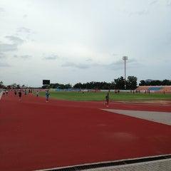 Photo taken at สนามกีฬากลางจังหวัดประจวบคีรีขันธ์ by Drac U. on 7/26/2013