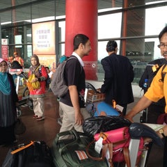 Photo taken at Gate E23 by Muhamad Amir Z. on 8/15/2013