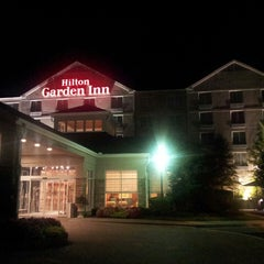 Photo taken at Hilton Garden Inn by Eugeni R. on 8/12/2013