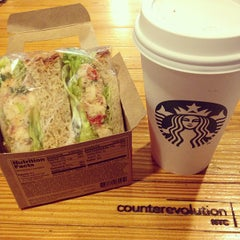 Photo taken at Starbucks by Witchaphun P. on 9/22/2013