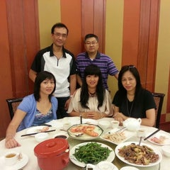 Photo taken at Sun City Seafood by Eddy L. on 8/21/2013