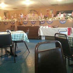 Photo taken at Port O Call Restaraunt by Bill D. on 6/12/2015