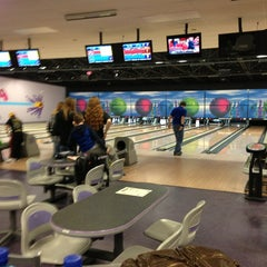 Photo taken at Premiere Bowling & Entertainment by Kristy M. on 3/19/2014