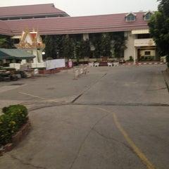 Photo taken at โรงเรียนวัดเขมาภิรตาราม (Wat Khemapirataram School) by FAHS on 2/15/2014