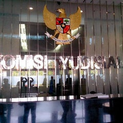 Photo taken at Komisi Yudisial Republik Indonesia by Achmad H. on 8/26/2013